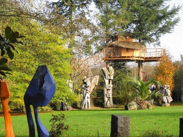 week end insolite en cabane dans les arbres en bretagne. Black Bedroom Furniture Sets. Home Design Ideas